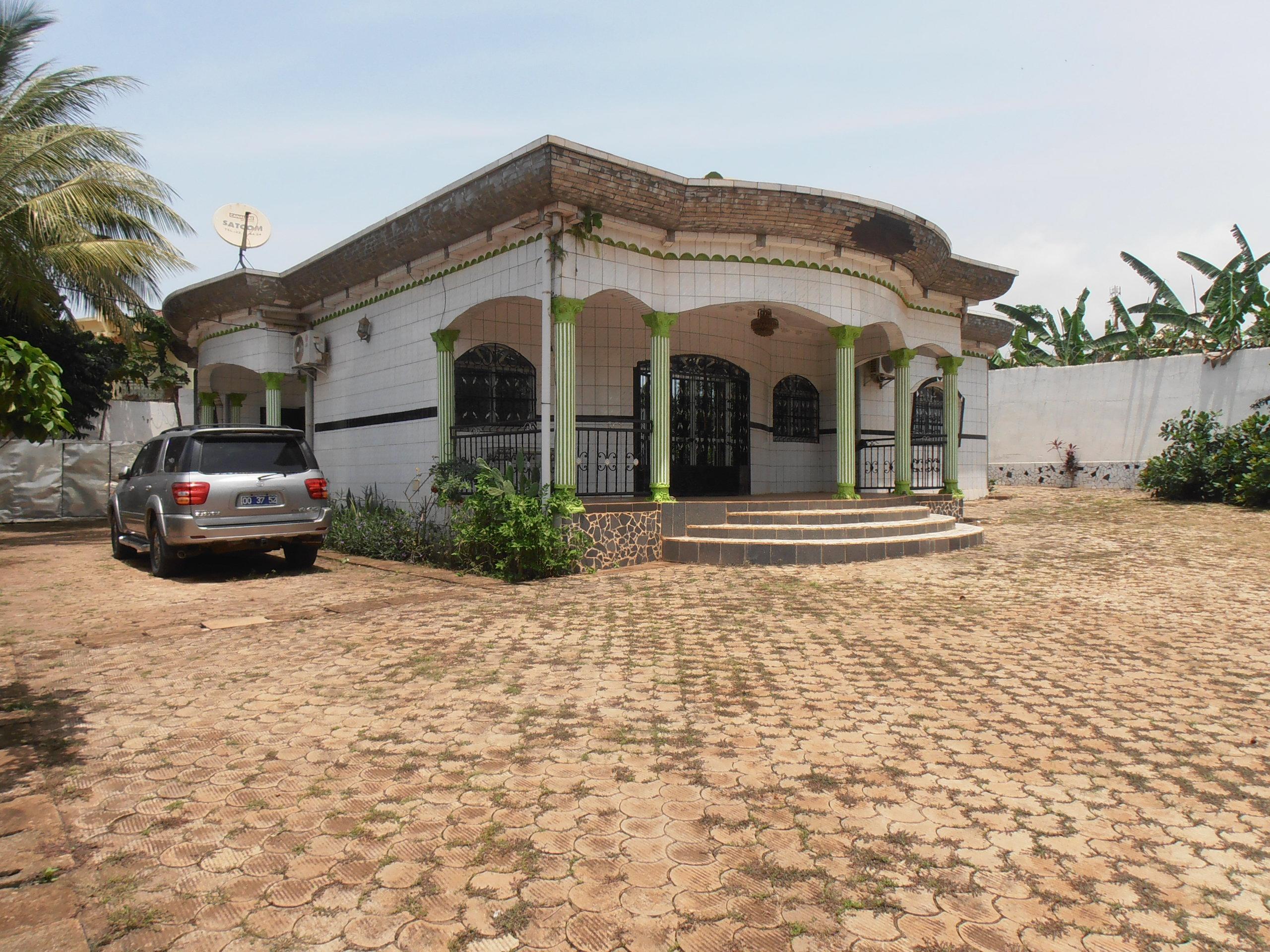 image du bien  : Villa meublée de 03 chambres, climatisée à louer à Odza, Yaoundé